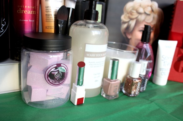 Julklappstips une, the body shop, ellos beauty elinfagerberg.se